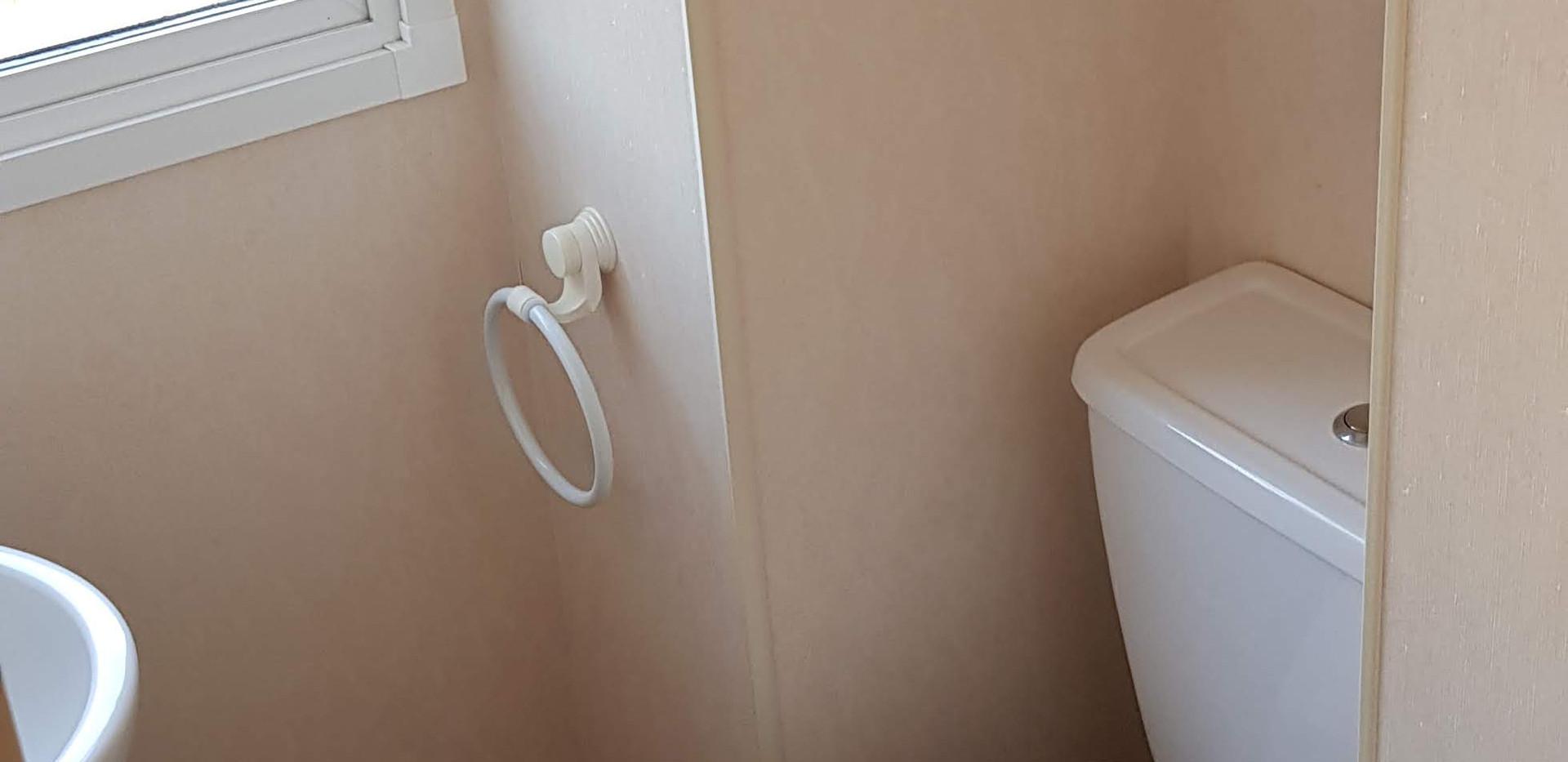 76 heritage bathroom.jpg