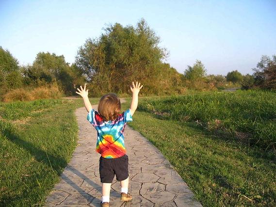 Happy_child_finds_joy.jpg