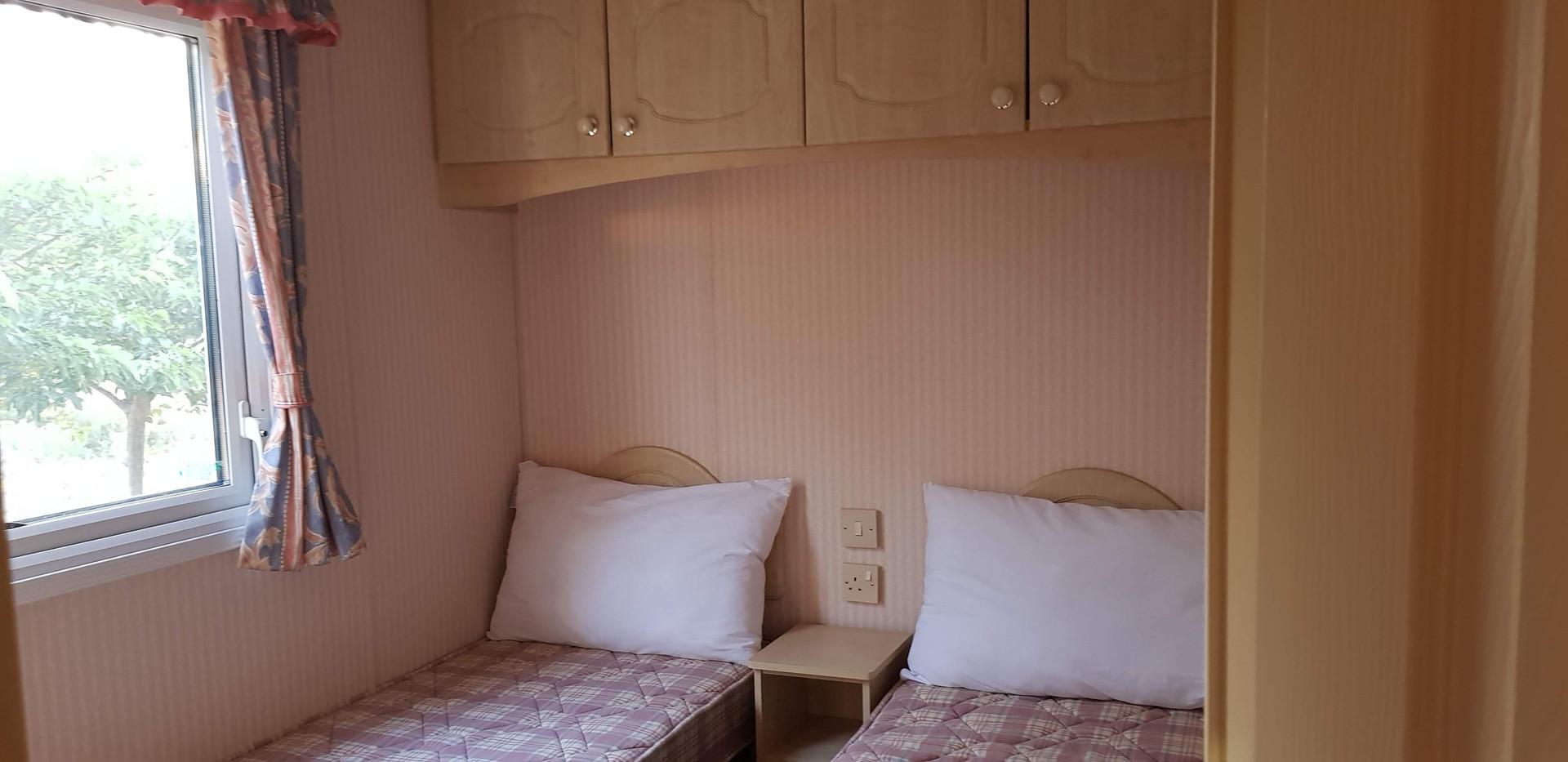 79 retreat single room.jpg
