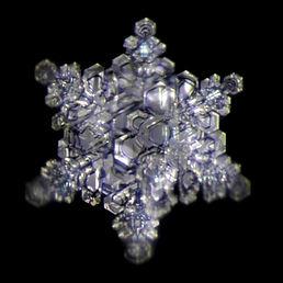 Wasserkristall Die Wasserquelle.jpg