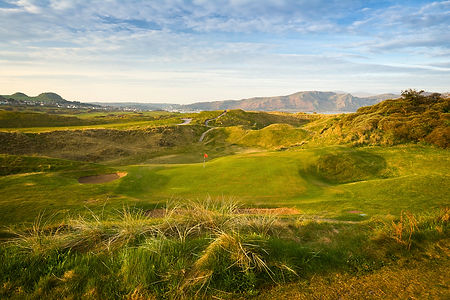 north_wales-golfclub_01.jpg