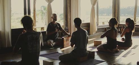 yoga-alecrim_edited.jpg