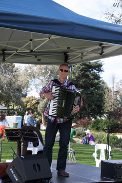 Governor Generals House Picnic Day 2014.jpg
