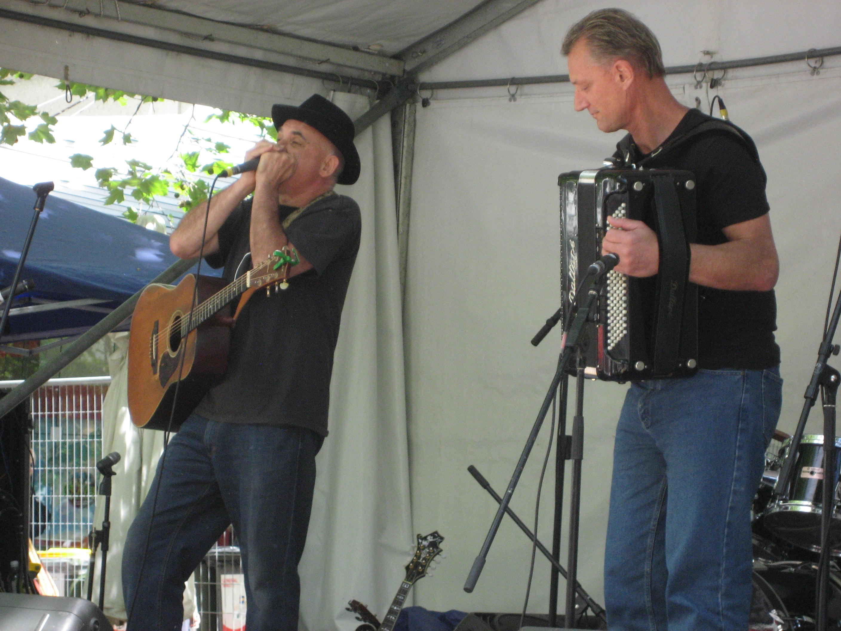 With Joe Dolce - Canberra Multicultural Festival 2012.jpg