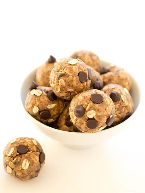 5 Ingredient Peanut Butter Energy Bites