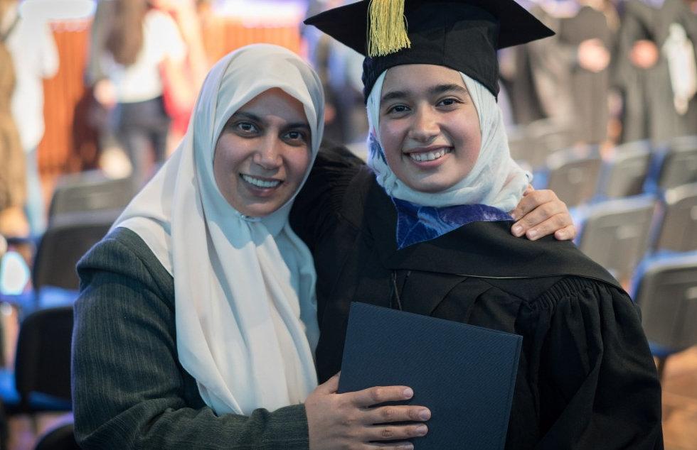 Muslim%2520female%2520student%2520on%252