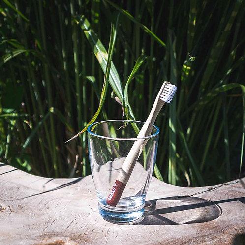 Nachhaltige Bambuszahnbürste für Kinder