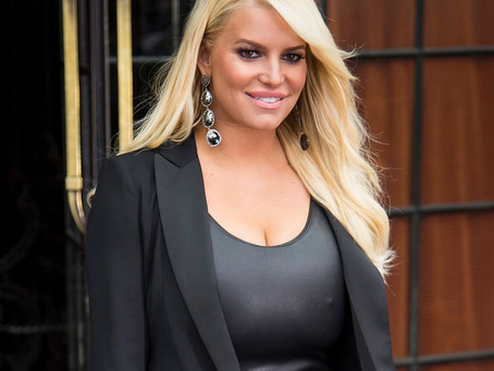 Jessica Simpson Reveals She Has Dyslexia. What Are the Symptoms of the Learning Disability?