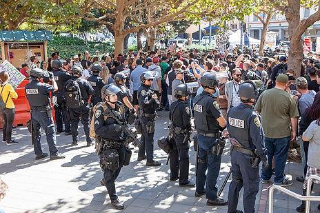 1280px-Berkeley_Free_Speech_Week_protest
