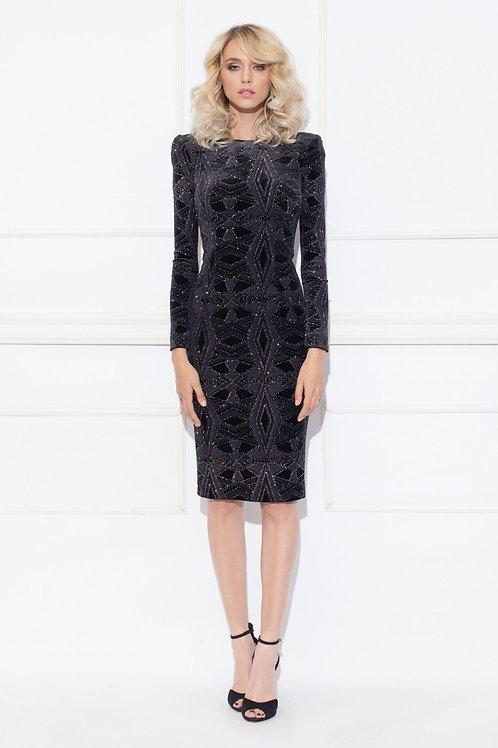 Коктейльное черное бархатное платье с переливающимися нитями
