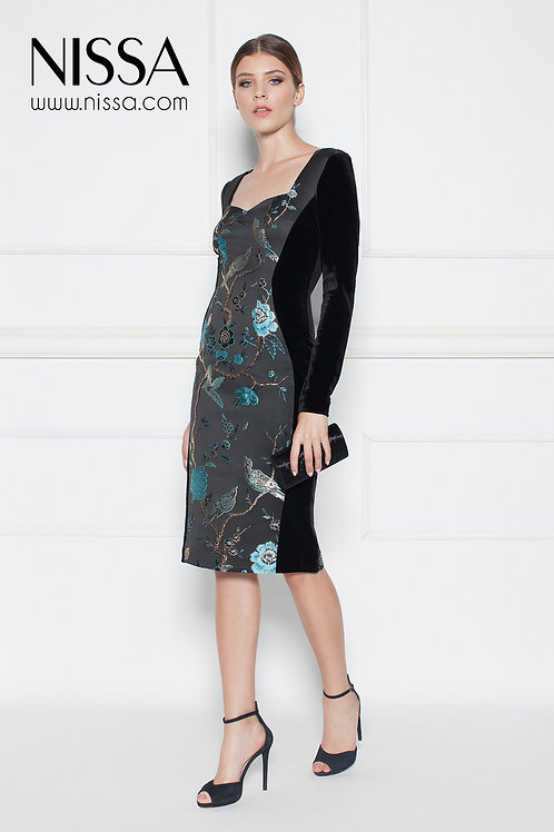 Коктейльое бархатное платье
