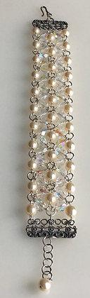 Pearl & Crystal Link  Bracelet