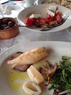 обед в ресторане на пляже