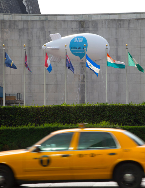Blimp _ Balloon UN HQ   Taxi-L