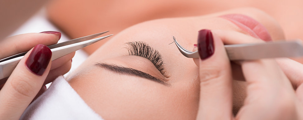 Applying lash extensions