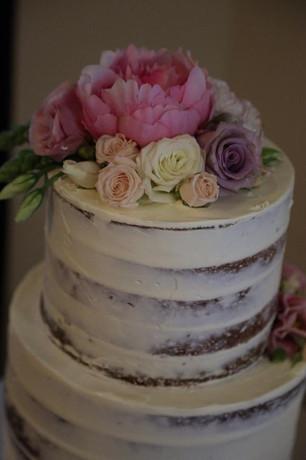 Semi Naked Cakes (8).jpg