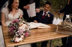 Buds n Roses Wedding Florist (2)