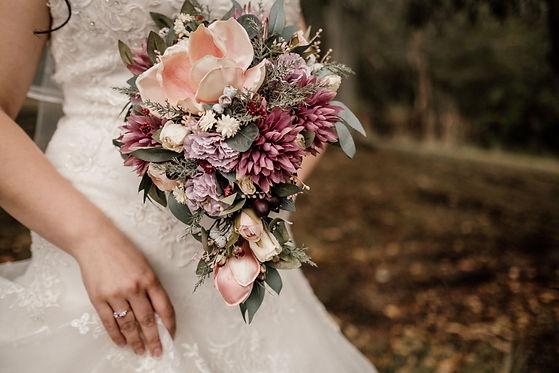 Buds n Roses Wedding Florist (4).jpg