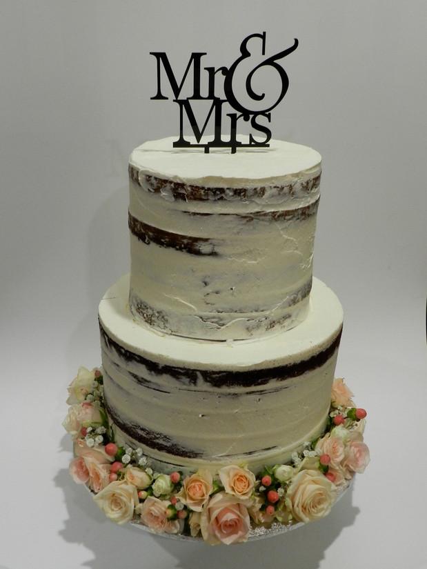Semi Naked Cakes (36).jpg