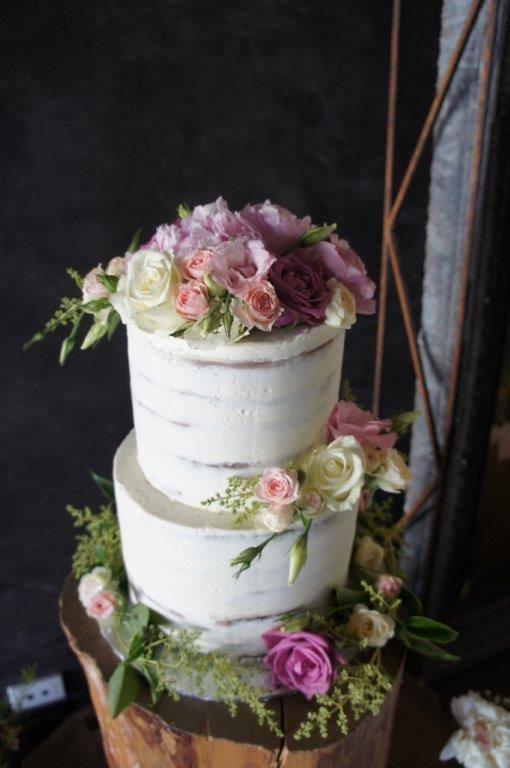 Semi Naked Cakes (3).jpg
