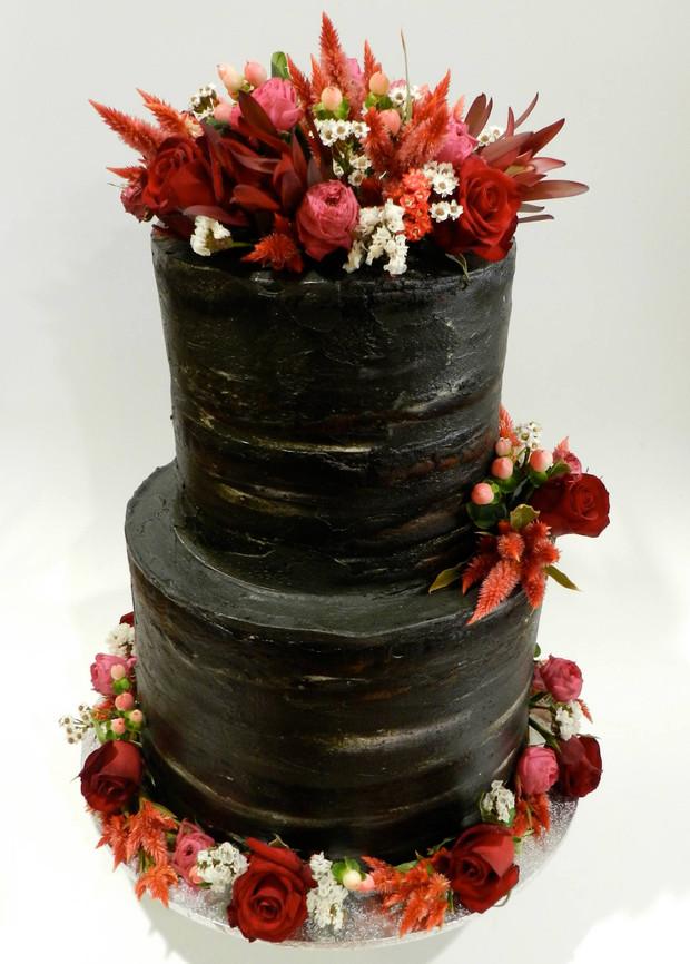 Semi Naked Cakes (35).jpg