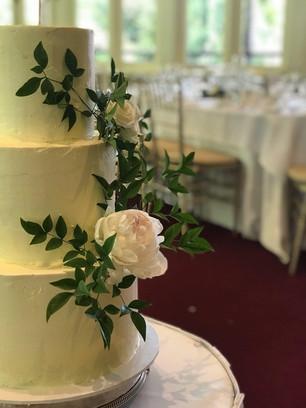 Mellssa lauscher - Cake bouquet.jpg