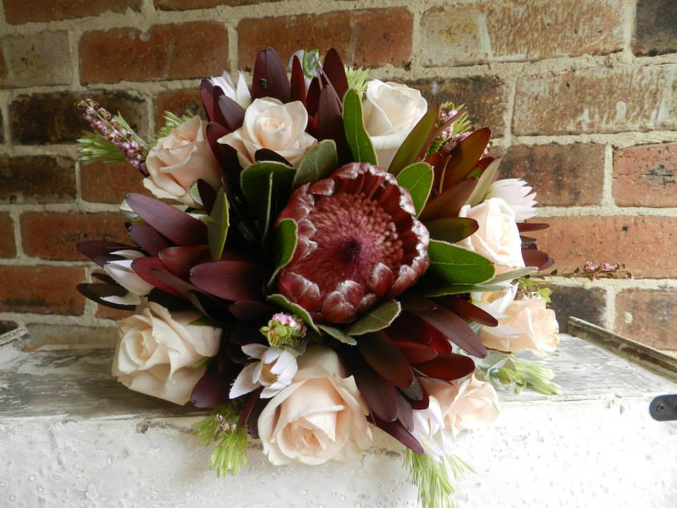 Buds n roses - Bridesmaid Native Posy