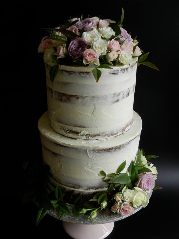 Semi Naked Cakes (6).jpg