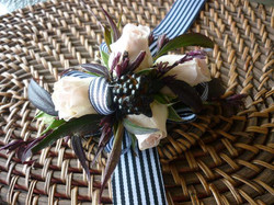 Buttonholes and Corsages by Buds (12).jpg