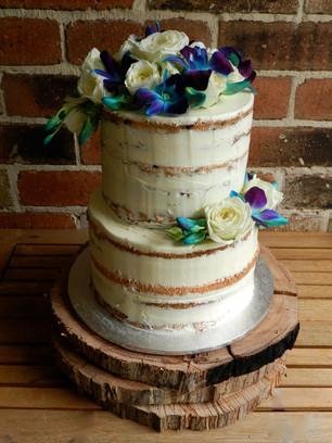 Semi Naked Cakes (13).jpg