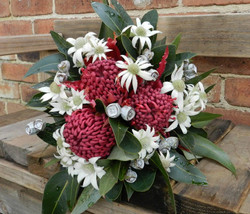 Buds n roses - Native Bouquet with Flann