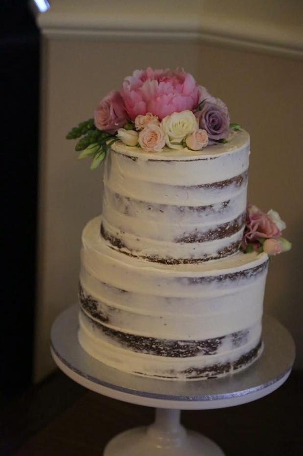 Semi Naked Cakes (7).jpg
