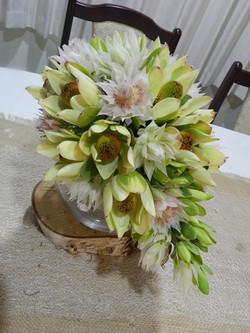 Buds n roses - Cream Blushing Bride bouq