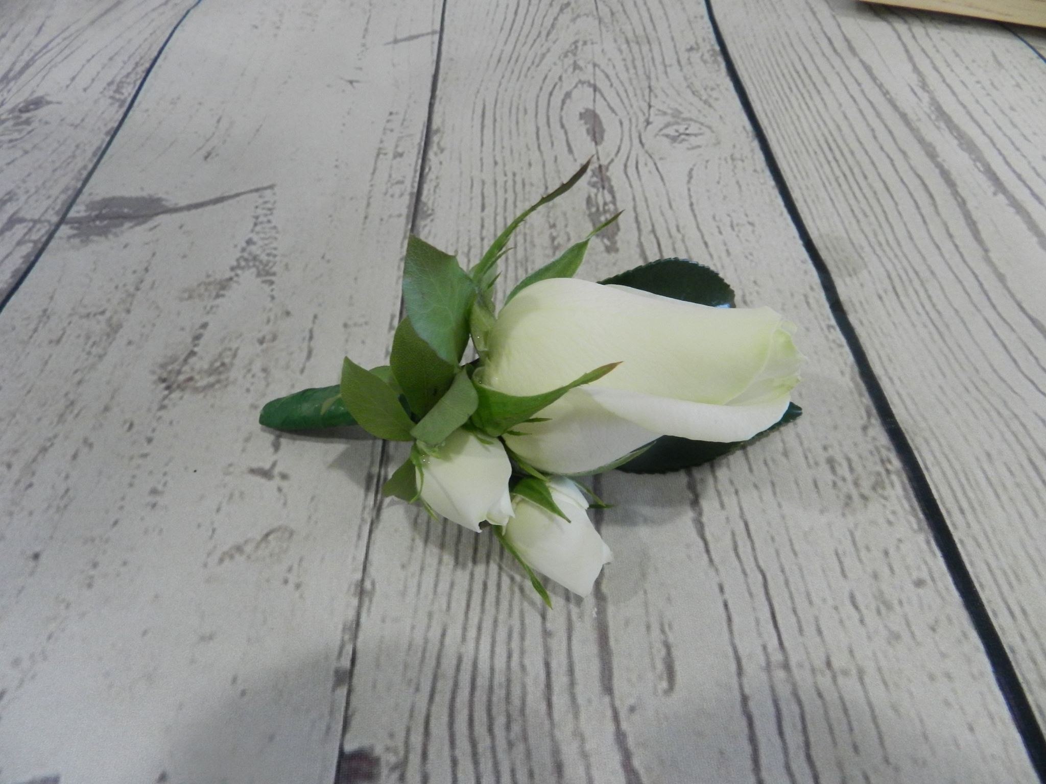 buttonhole by Buds n Roses (1)