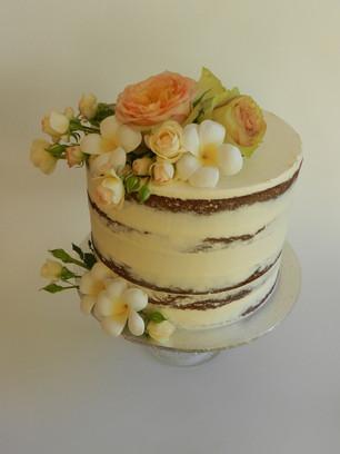 Semi Naked Cakes (24).jpg