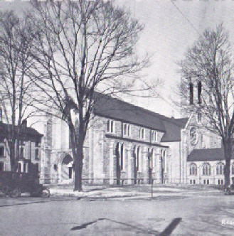 Black and White Photo of FUMC Warren