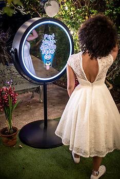 magic-mirror-photo-booth-evesham-worcestershire.jpg