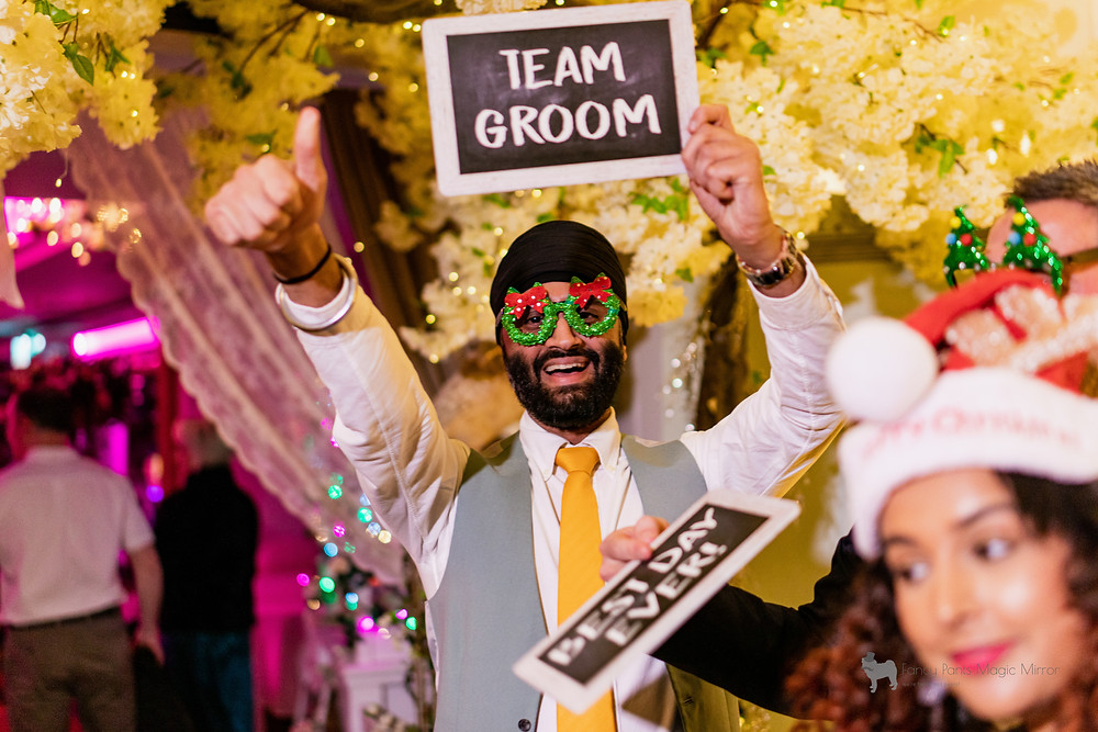 Guests-enjoying-a-photo-booth-in-gloucestershire