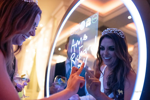 magic mirror photo booth hire gloucester