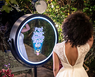 magic-mirror-photo-booth-gloucester.jpg