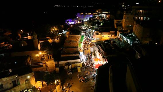 people-enjoy-night-bazaar-in-the-alleys-