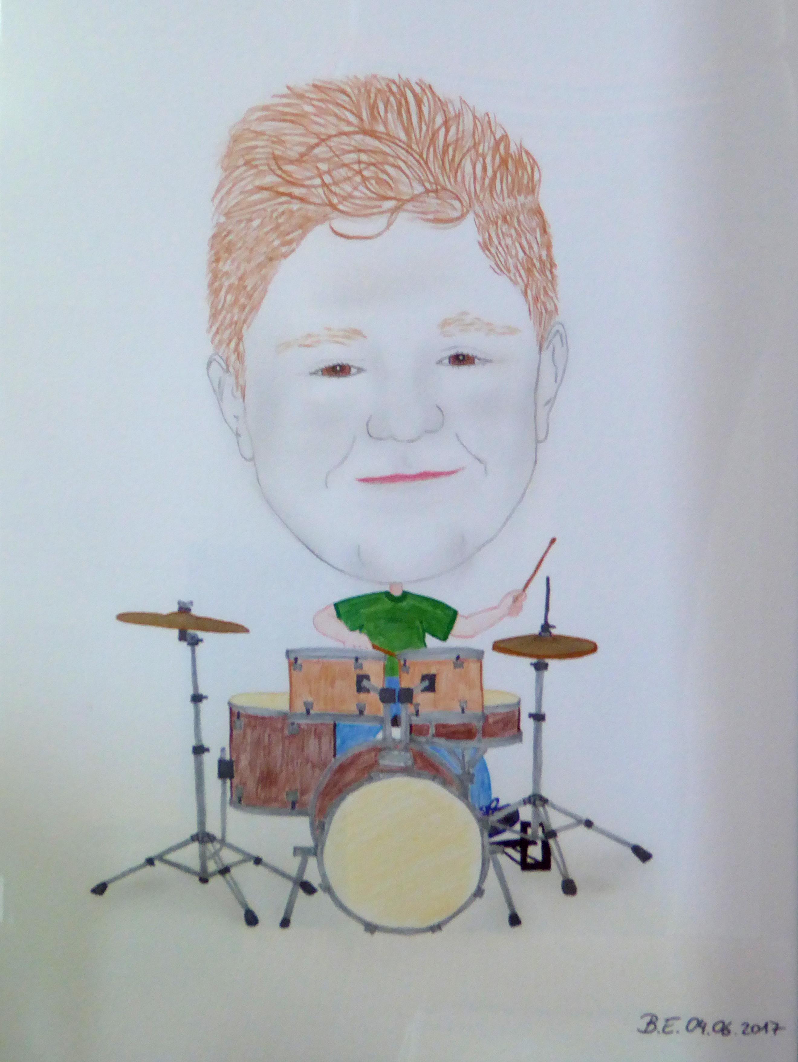 Junger Schlagzeuger