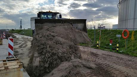 VoVolvo L110G + GPS + Egaliseerbalk + Schuifframe + egaliseren + schuiven gps rijplaten platen mvo grote rijplaten, 3d gps, kaars grondverzet, l70, volvo, zand, puin, L70G, L70 Volvo VOLVO l90G L90G 3d gps hijsjip hijsen kraan kleine kraan bouwen huizen lvo L90G + 3D GPS