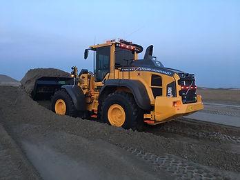 Volvo L110G + GPS + Egaliseerbalk + Schuifframe + egaliseren + schuiven gps rijplaten platen mvo grote rijplaten, 3d gps, kaars grondverzet, l70, volvo, zand, puin, L70G, L70 Volvo VOLVO l90G L90G 3d gps hijsjip hijsen kraan kleine kraan bouwen huizen