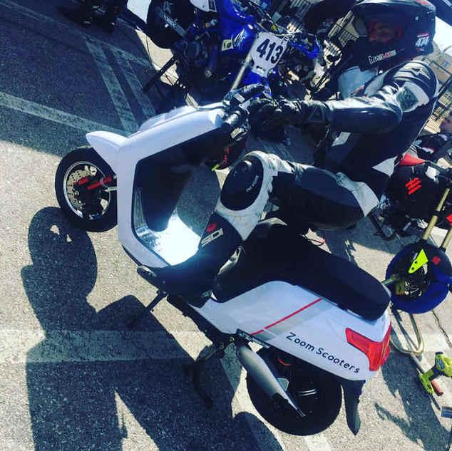 Zoom Scooter Racing