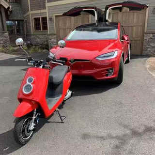 Happy Tesla owner got his Zoom Electric Scooter!  work nicely together with the Model X!