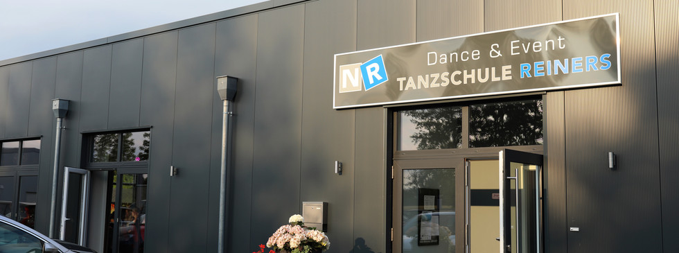 Eingang 2 NR Dance & Event Dillertal ACV