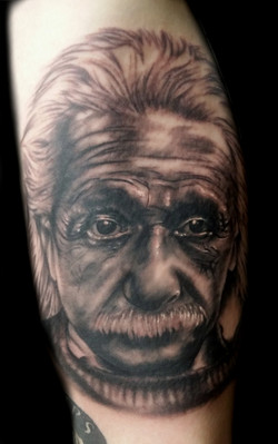 portrait - Einstein - Inner right arm