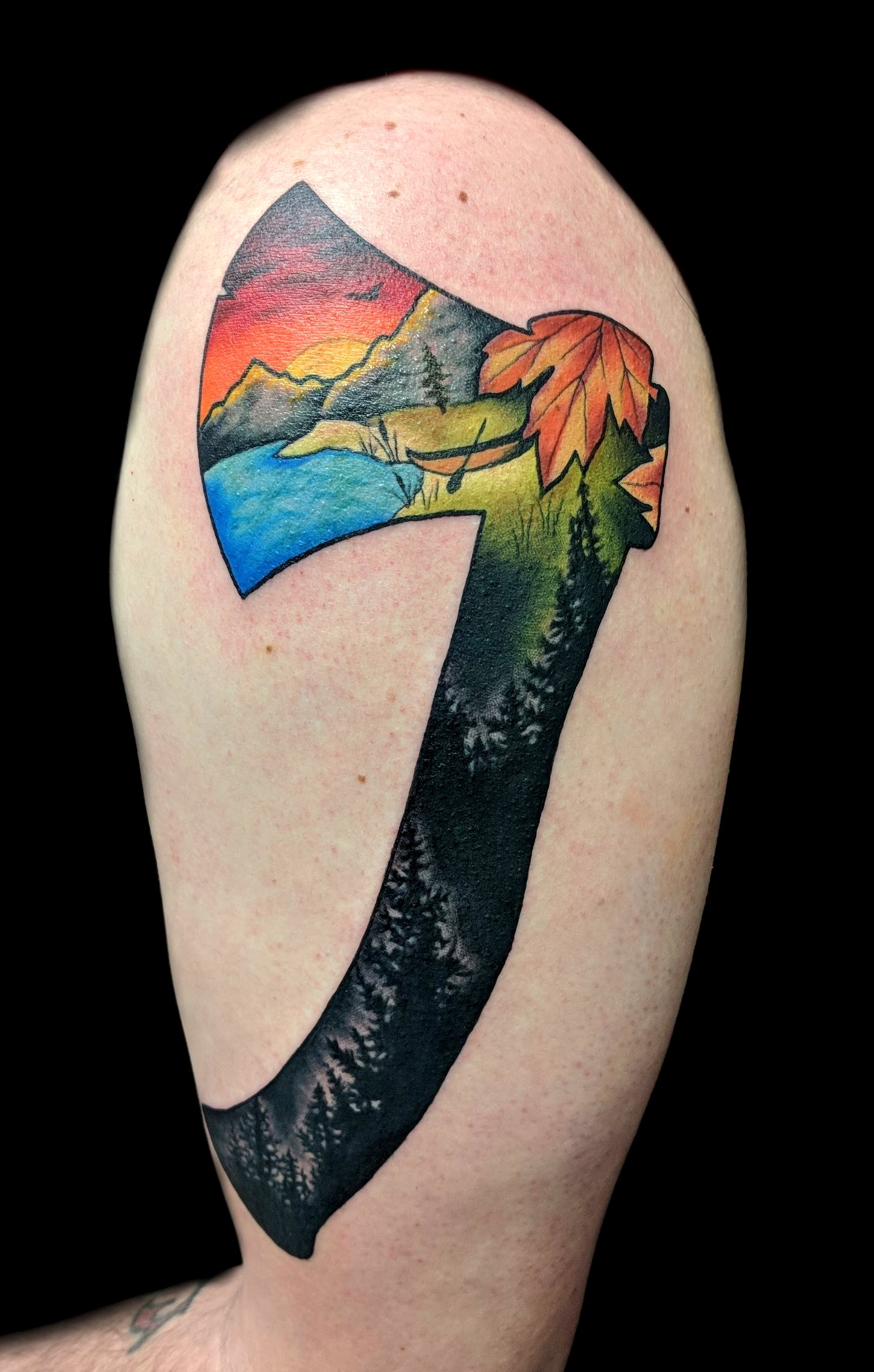 Nature axe - left upper arm