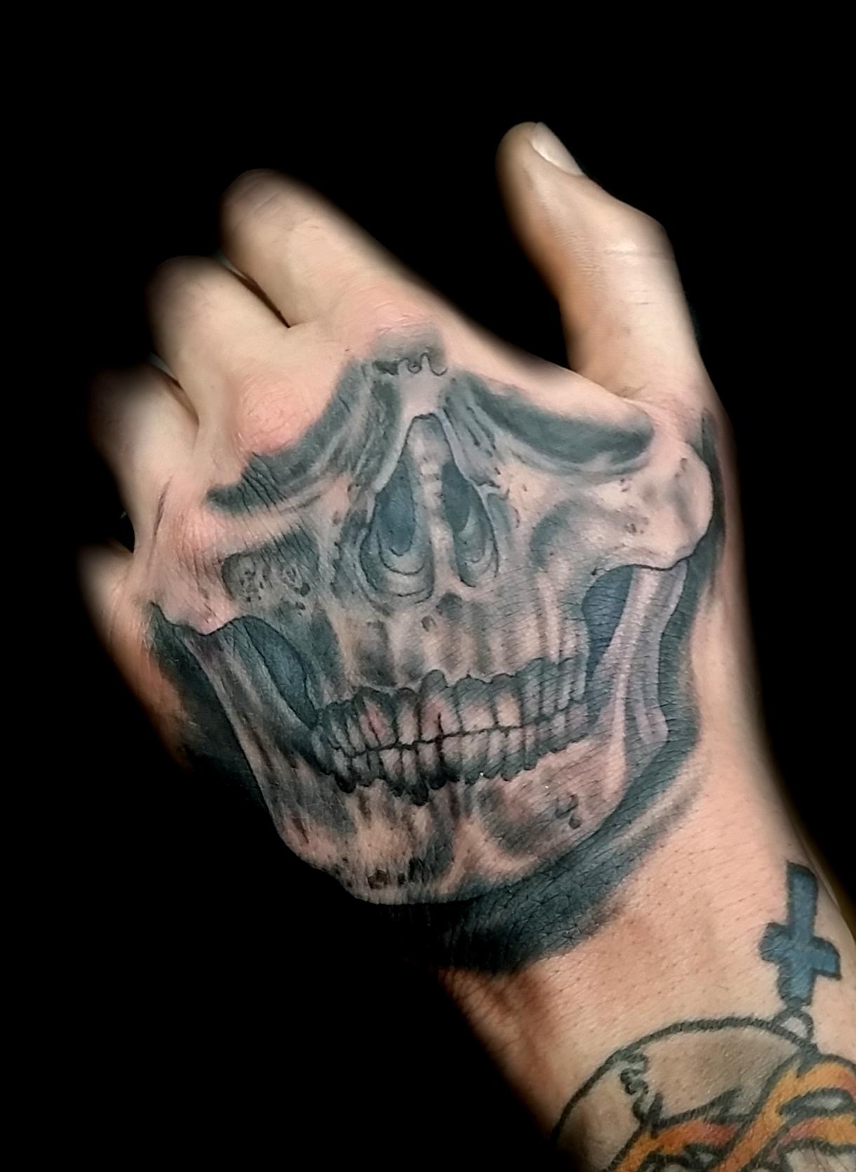 skull hand - left hand